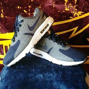 07d23c1401845 Nike Shoes - Nike Air Max 90 Zero Essential